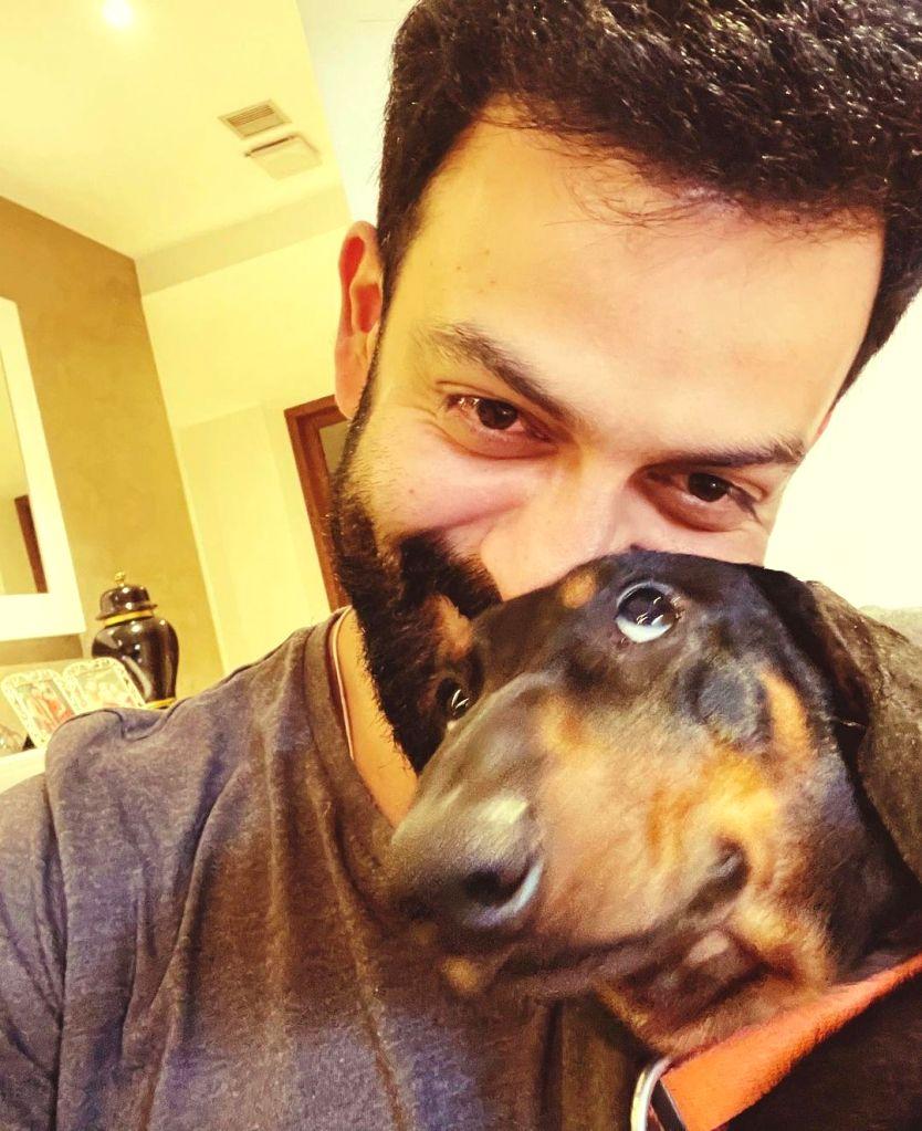 Prithviraj's pet dog has an 'eye' for wonky photo-op! (credit: Instagram)
