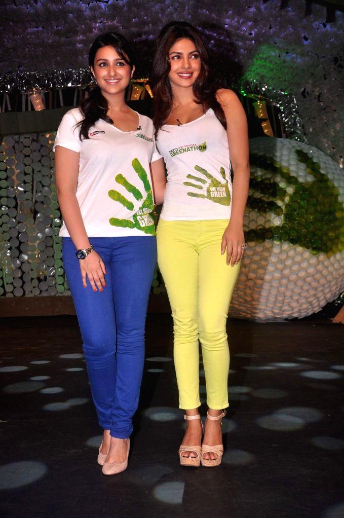 Priyanka Chopra and Parineeti Chopra on NDTV Greenathon event in Mumbai. - Priyanka Chopra and Parineeti Chopra