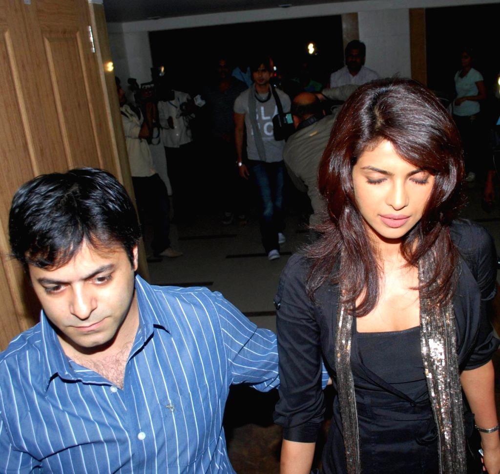 Priyanka Chopra at Tarun Mansukhani's B'day bash. - Priyanka Chopra