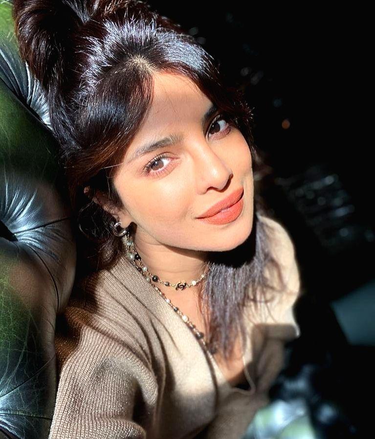 Priyanka Chopra is grateful to be 'living in the light'.(photo:Instagram) - Priyanka Chopra