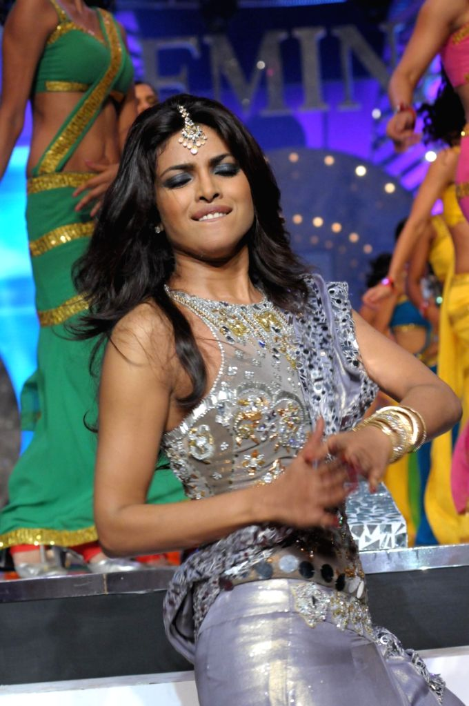 Priyanka Chopra is performing at the stage of Pantaloons Femina Miss India '09 pageant on April 5th, 2009 in Mumbai. - Priyanka Chopra