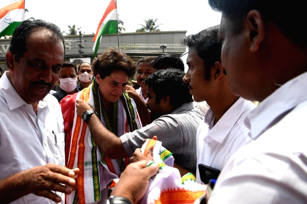 Priyanka Gandhi Vadra addresses a corner meeting at Chalakudy & Kodungallur.(photo:IANS) - Priyanka Gandhi Vadra