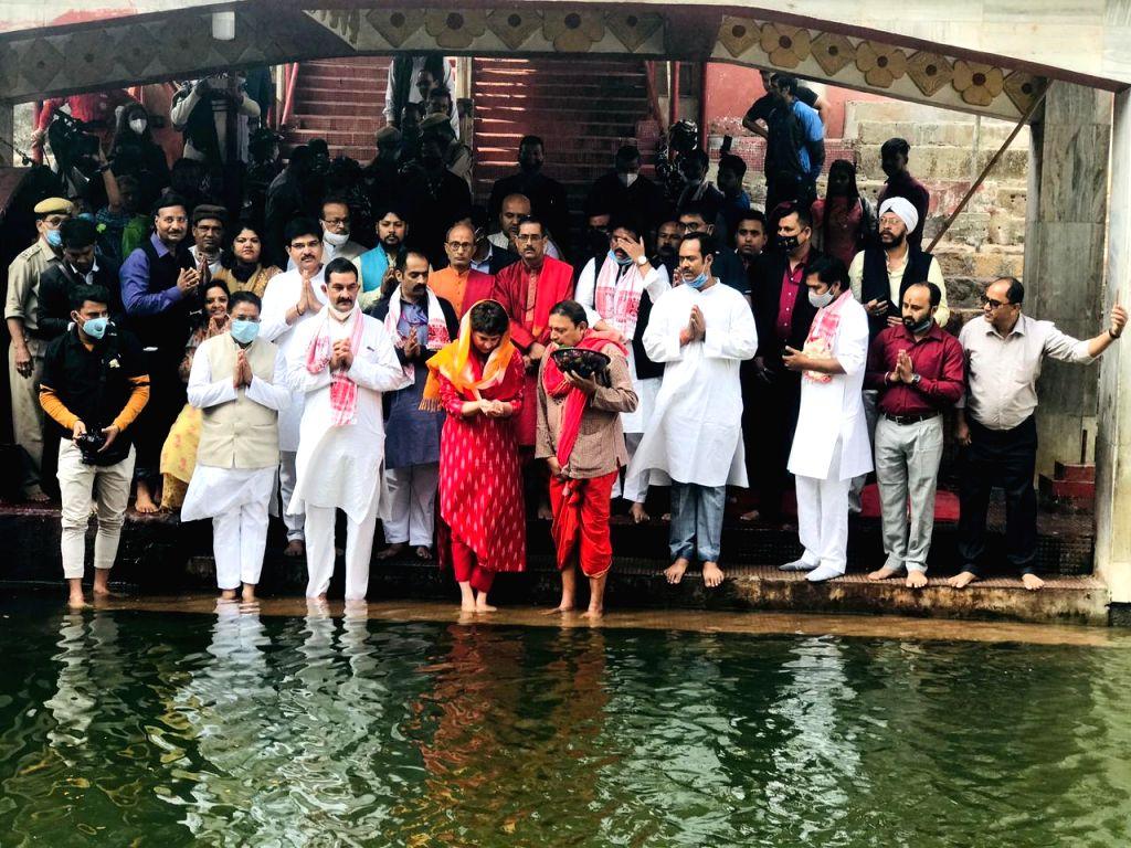 Priyanka Gandhi Vadra arrived in Guwahati and visited the Maa Kamakhya Temple on Monday. - Priyanka Gandhi Vadra