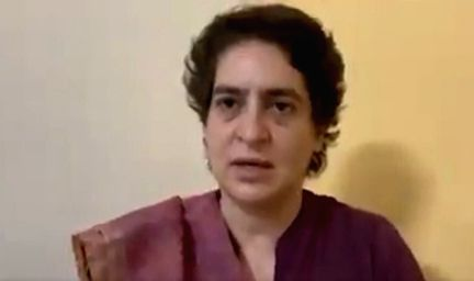 Priyanka Gandhi Vadra  in custody(photo:twitter) - Priyanka Gandhi Vadra