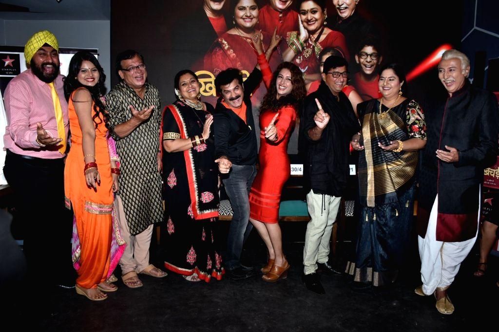 "Producer JD Majethia, actors Anang Desai, Rajeev Mehta, Supriya Pathak, Vandana Pathak and Sameksha during a press conference to promote their upcoming television show ""Khichdi"" in ... - Anang Desai, Rajeev Mehta, Supriya Pathak, Vandana Pathak and Sameksha"