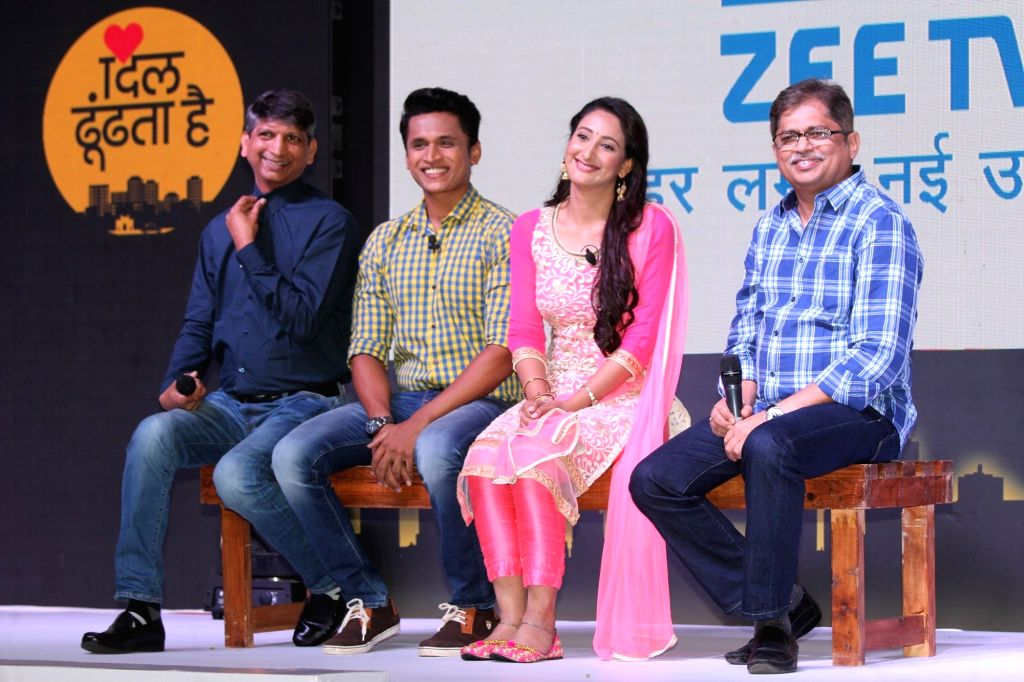 Producer Nitin Vaidya, Deputy Business Head, Zee TV,Deepak Rajadhyaksha and Actors Shivya Pathania and Stavan Shinde during the launch of Zee Tv new show 'Dil Dhoondta Hai' in Mumbai on ... - Shivya Pathania and Stavan Shinde