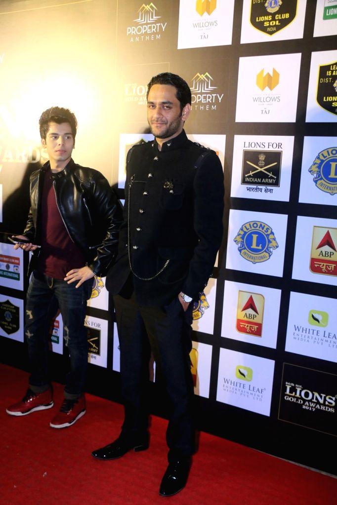 "Producer Vikas Gupta at the ""24th SOL Lions Gold Awards 2017"" in Mumbai on Jan 24, 2018. - Vikas Gupta"