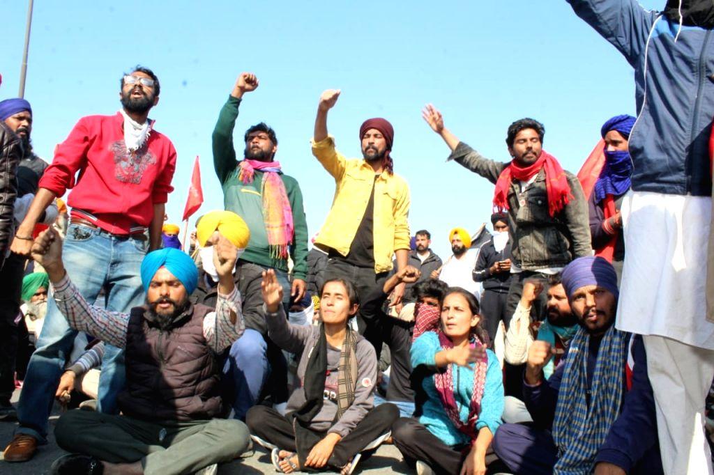protesting farmers