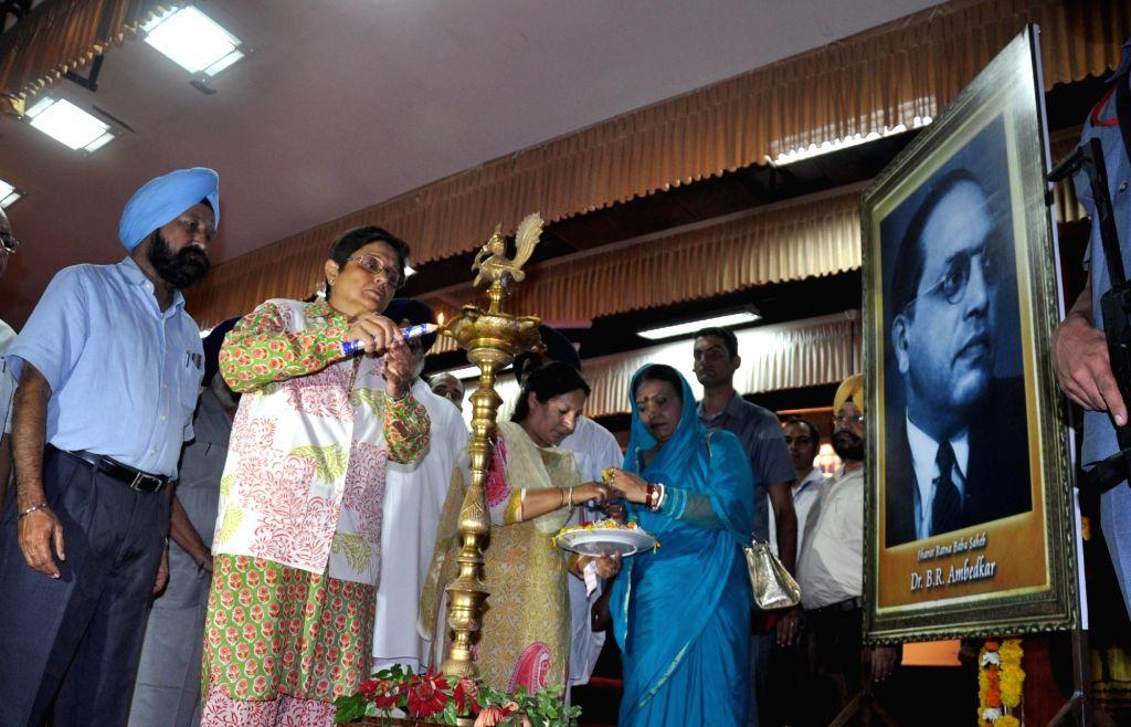 Puducherry Governor Kiran Bedi, Punjab Deputy Chief Minsiter Sukhbir Singh Badal and Legislative Assembly Speaker Charanjit Singh Atwal during the 4th National seminar at Guru Nanak Dev ... - Charanjit Singh Atwal, Kiran Bedi and Nanak Dev University