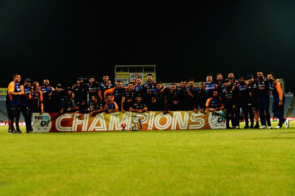 Pune ODI: India beat England by 7 runs and named the series