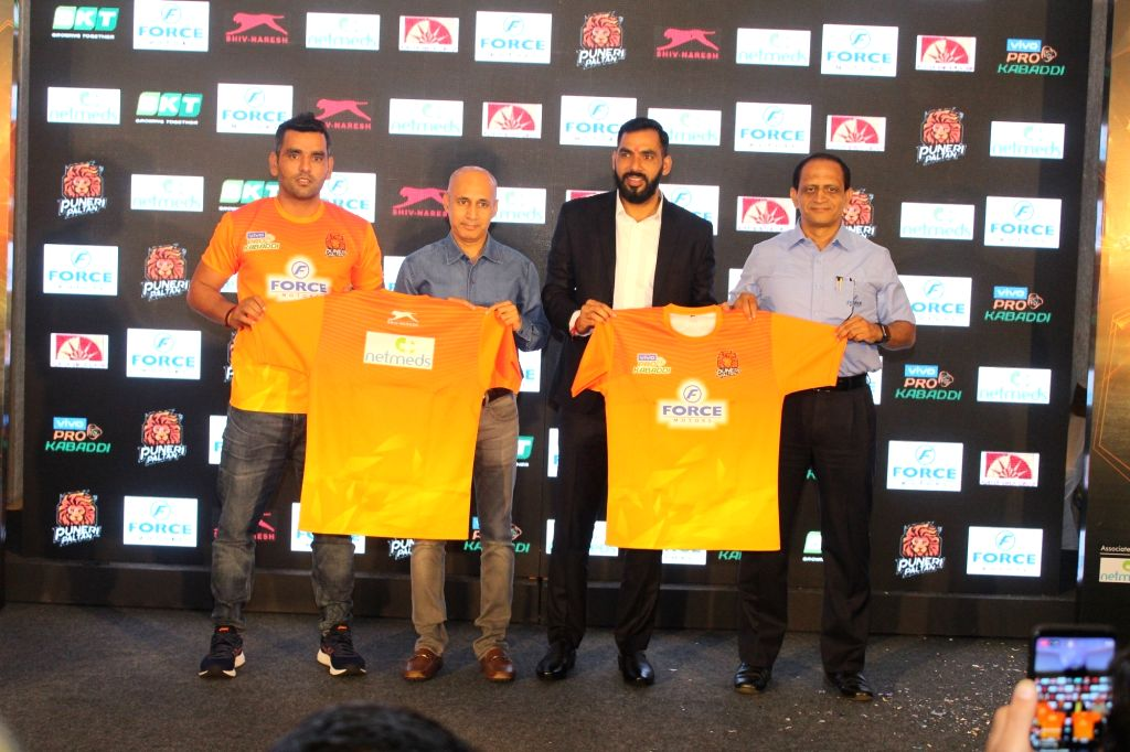 Pune: Puneri Paltan's newly appointed captain Surjeet Singh and coach Anup Kumar along with Force Motors Ltd Senior Vice President Makarand Kanade and Insurekot Sports CEO Kailash Kandpal, unveil the team's new jersey for the seventh season of Pro Ka - Surjeet Singh and Anup Kumar