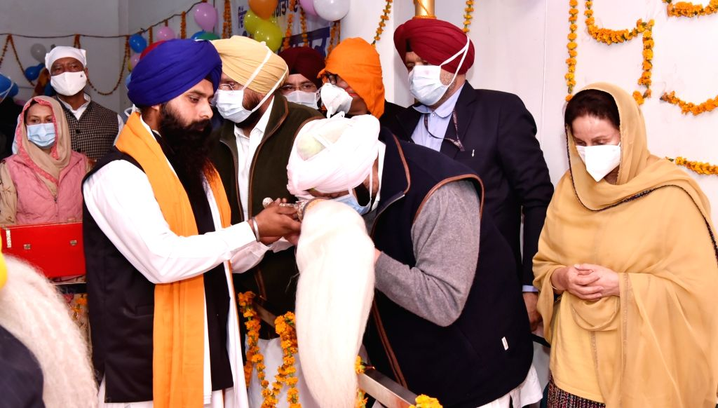 Punjab Chief Minister Captain Amarinder Singh during his visit to Dera Baba Nanak on the occasion of Guru Nanak Jayanti, in Gurdaspur district on Nov 30, 2020. - Captain Amarinder Singh