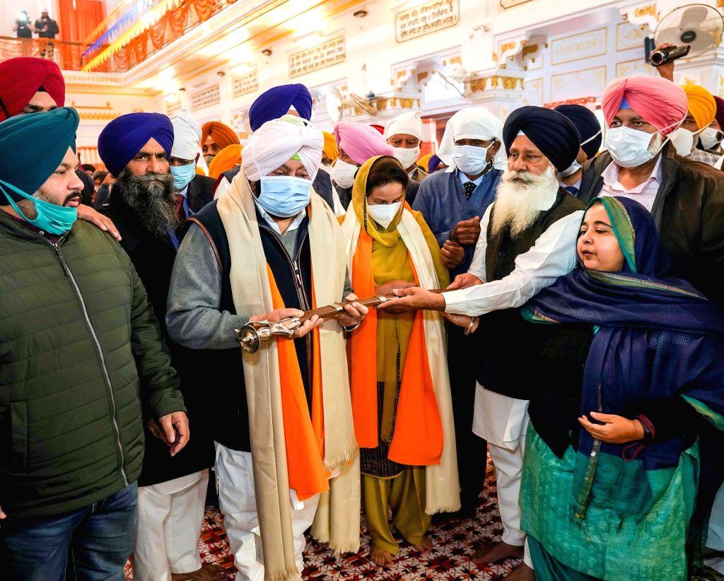 Punjab Chief Minister Captain Amarinder Singh during his visit to Sultanpur Lodhi on the occasion of Guru Nanak Jayanti, in Kapurthala district on Nov 30, 2020. - Captain Amarinder Singh