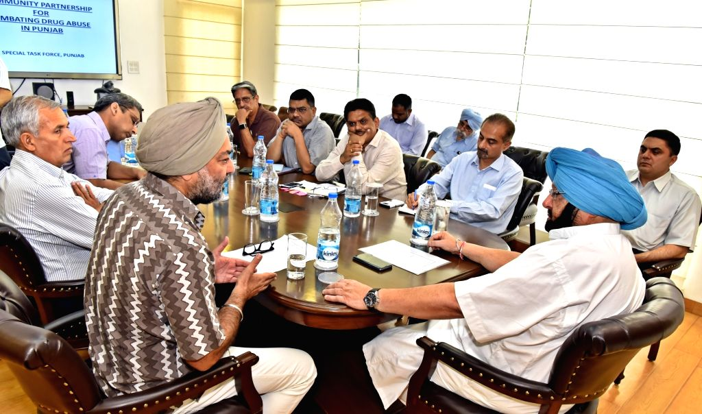 Punjab Chief Minister Captain Amarinder Singh reviews the functioning of Horticulture department in Chandigarh on May 16, 2017. - Captain Amarinder Singh