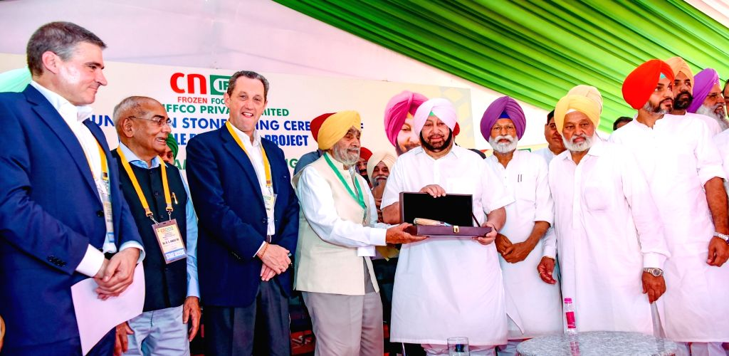 Punjab Chief Minister Captain Amarinder Singh with CN IFFCO Chairman Benito Jimenez, IFFCO MD U. S. Awasthi and IFFCO Chairman B. S. Nakai at the foundation stone laying ceremony of a ... - Captain Amarinder Singh