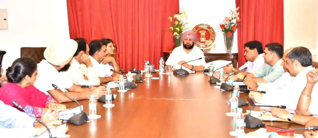 Punjab Chief Minister Captain Amarinder Singh interacts with the third batch of his government???s flagship ???Connect with Your Roots??? (CYR) programme comprising 17 youth from UK and ... - Captain Amarinder Singh