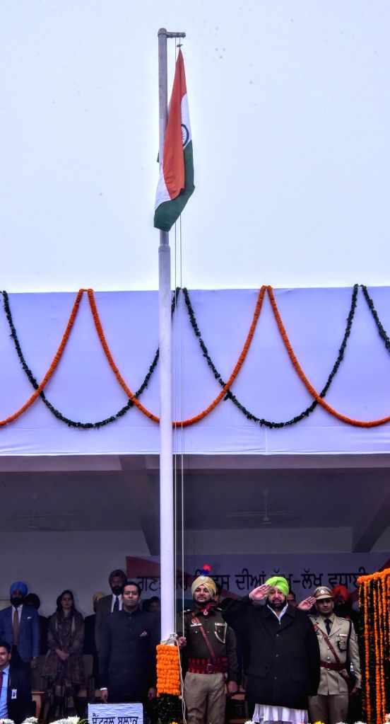 Punjab Chief Minister Captain Amarinder Singh unfurls the tricolor during the 71st Republic Day celebrations in SAS Nagar district on Jan 26, 2020. - Captain Amarinder Singh