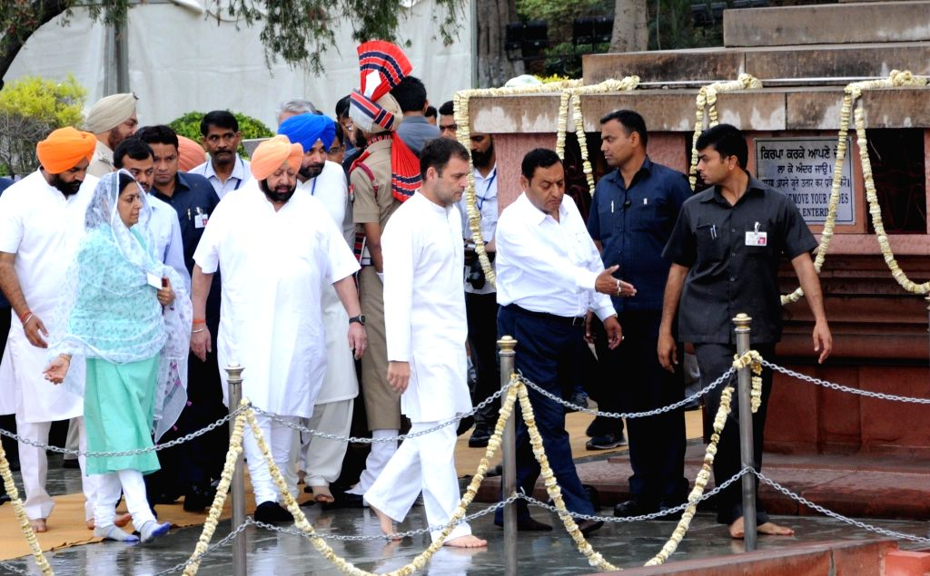 Punjab Chief Minister Captain Amarinder Singh, state cabinet minister Navjot Singh Sidhu and Congress President Rahul Gandhi arrive to pay tributes to the martyrs of 1919 Jallianwala Bagh massacre on the 100th anniversary of the massacre, in Amritsar - Captain Amarinder Singh, Navjot Singh Sidhu and Rahul Gandhi