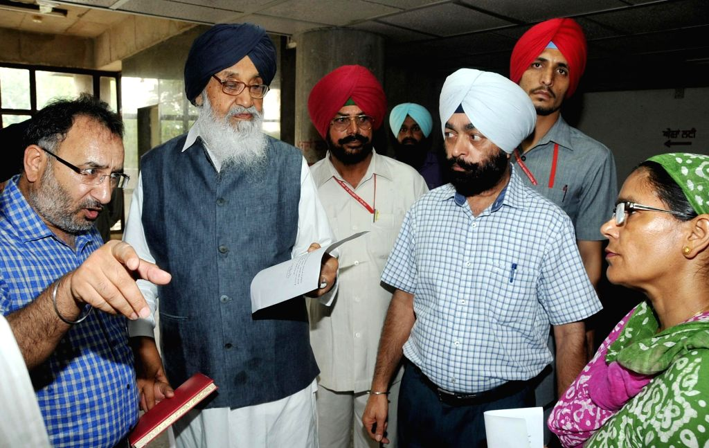 Punjab Chief Minister Parkash Singh Badal during a surprise inspection of Mini Civil Secretariat in Chandigarh on June 30, 2014.
