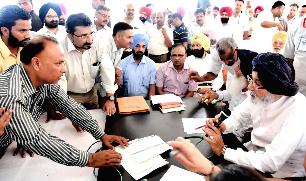 Punjab Chief Minister Parkash Singh Badal during a Sangat Darshan program in Garhshanker of Punjab on July 13, 2016. - Parkash Singh Badal