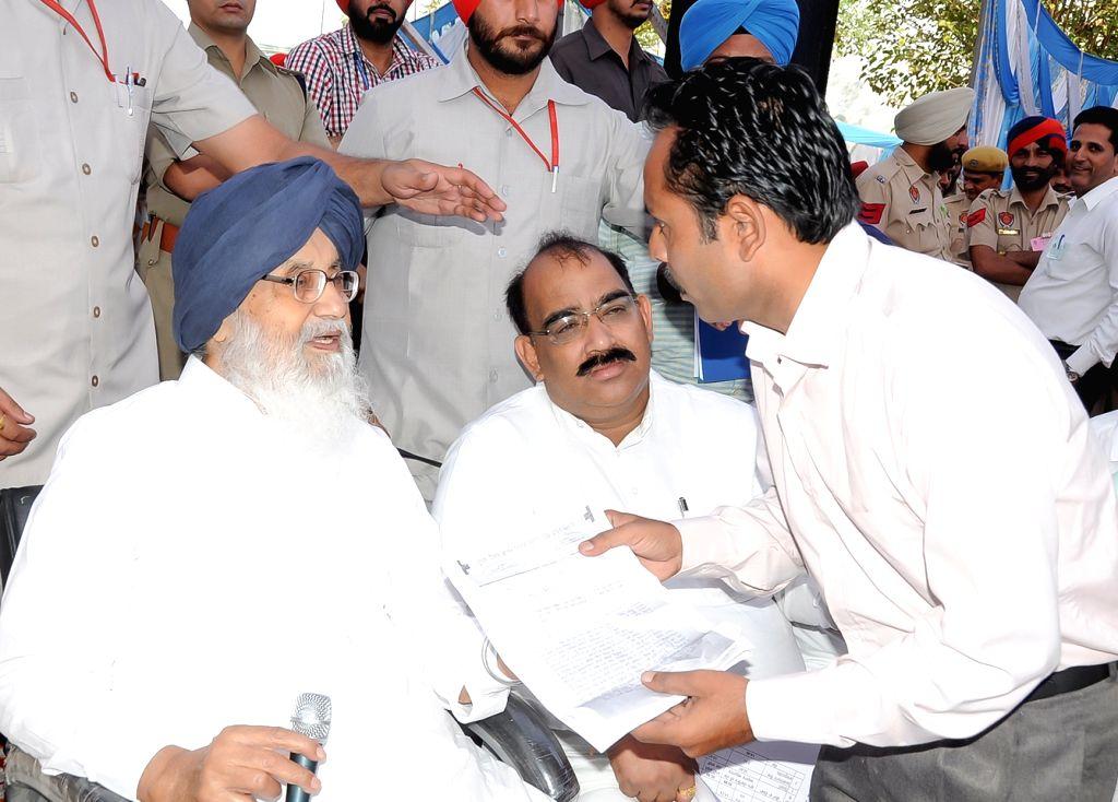 Punjab Chief Minister Parkash Singh Badal during Sangat Darshan at Pathankot Assembly segment on Oct 21, 2016. - Parkash Singh Badal