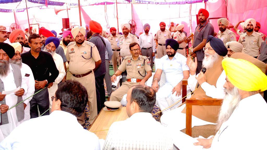Punjab Chief Minister Parkash Singh Badal during a Sangat Darshan program in Gurdaspur, on Oct 26, 2016. - Parkash Singh Badal