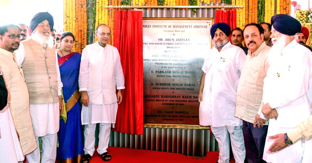 Punjab Chief Minister Parkash Singh Badal, Punjab Deputy Chief Minister Sukhbir Singh Badal, Union Minister for Finance, Corporate Affairs, and Information and Broadcasting Arun Jaitley and ... - Parkash Singh Badal, Sukhbir Singh Badal, Arun Jaitley and Smriti Irani