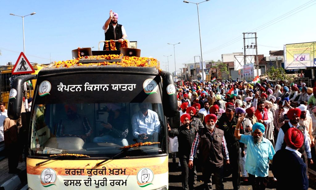 Punjab Congress chief  Captain Amarinder Singh during a roadshow ahead of the upcoming Punjab assembly election in Bhawanigarh near Sangrur of Punjab on Nov 27, 2016. - Amarinder Singh
