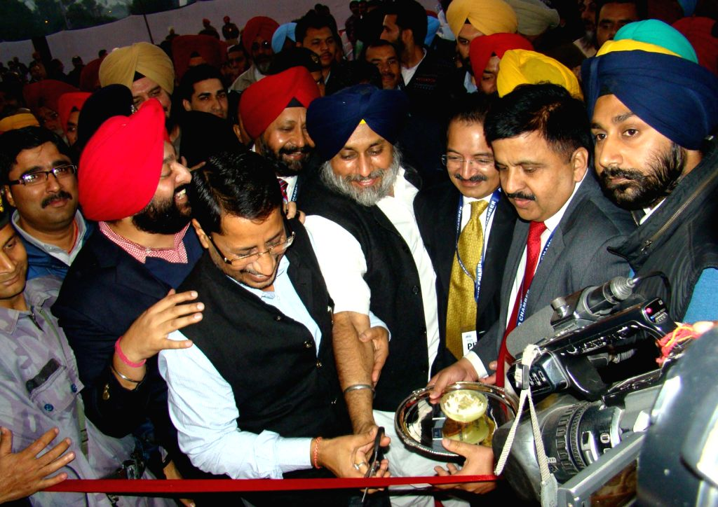 Punjab Deputy Chief Minister Sukhbir Singh Badal inaugurates the 7th edition of Punjab International Trade Expo (PITEX-2013) in Amritsar on Dec.6, 2013.