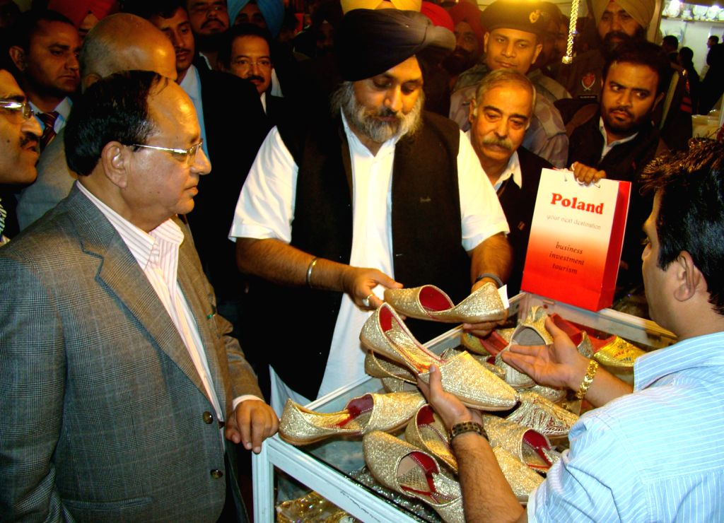Punjab Deputy Chief Minister Sukhbir Singh Badal during inauguration of the 7th edition of Punjab International Trade Expo (PITEX-2013) in Amritsar on Dec.6, 2013.
