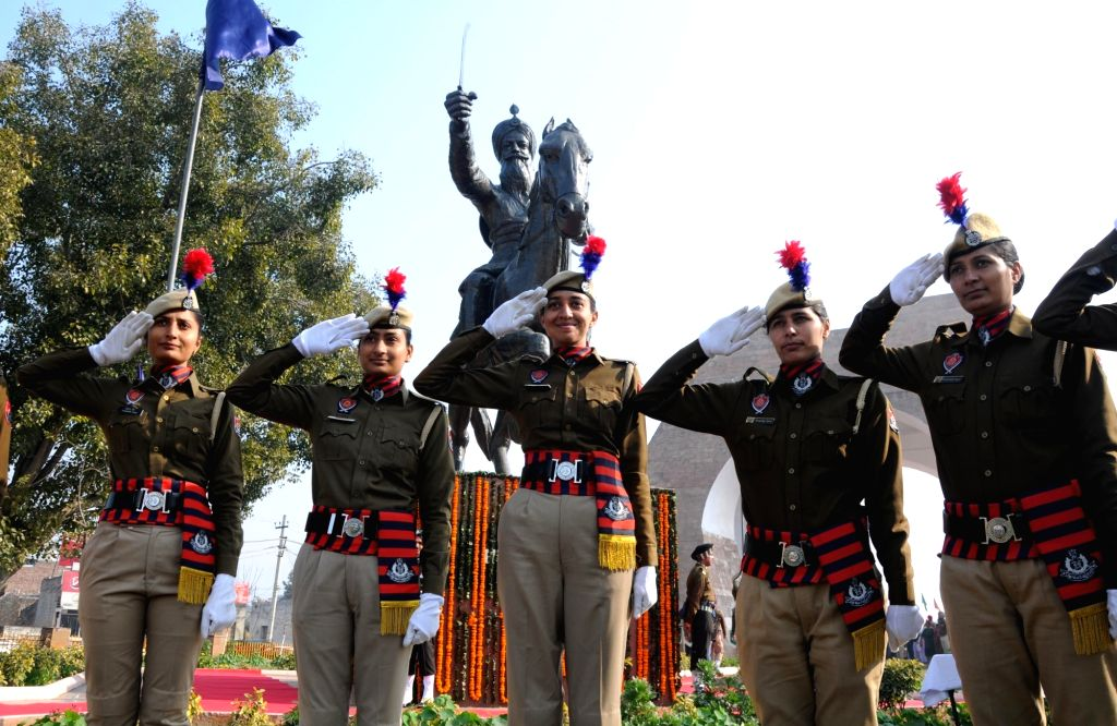 Punjab police personnel pay tributes to the Sikh warrior General Sardar Sham Singh Attari on the occasion of his 174th Martyrdom Day, in Amritsar on Feb 10, 2020.