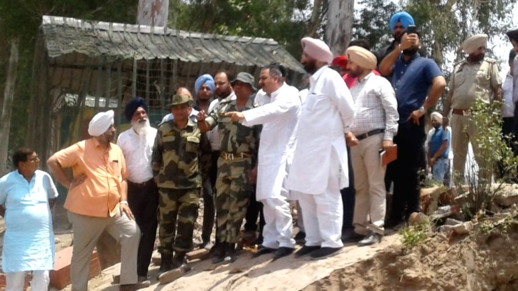Punjab Public Works Minister Vijay Inder Singla reviews the progress of construction work of Sri Kartarpur Sahib Corridor at Dera Baba Nanak in Punjab's Gurdaspur district, on June 1, 2019. - Vijay Inder Singla
