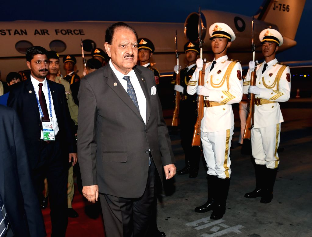 QINGDAO, June 8, 2018 - Pakistani President Mamnoon Hussain arrives in Qingdao, east China's Shandong Province, June 8, 2018. Hussain is here to attend the upcoming 18th Meeting of the Council of ...