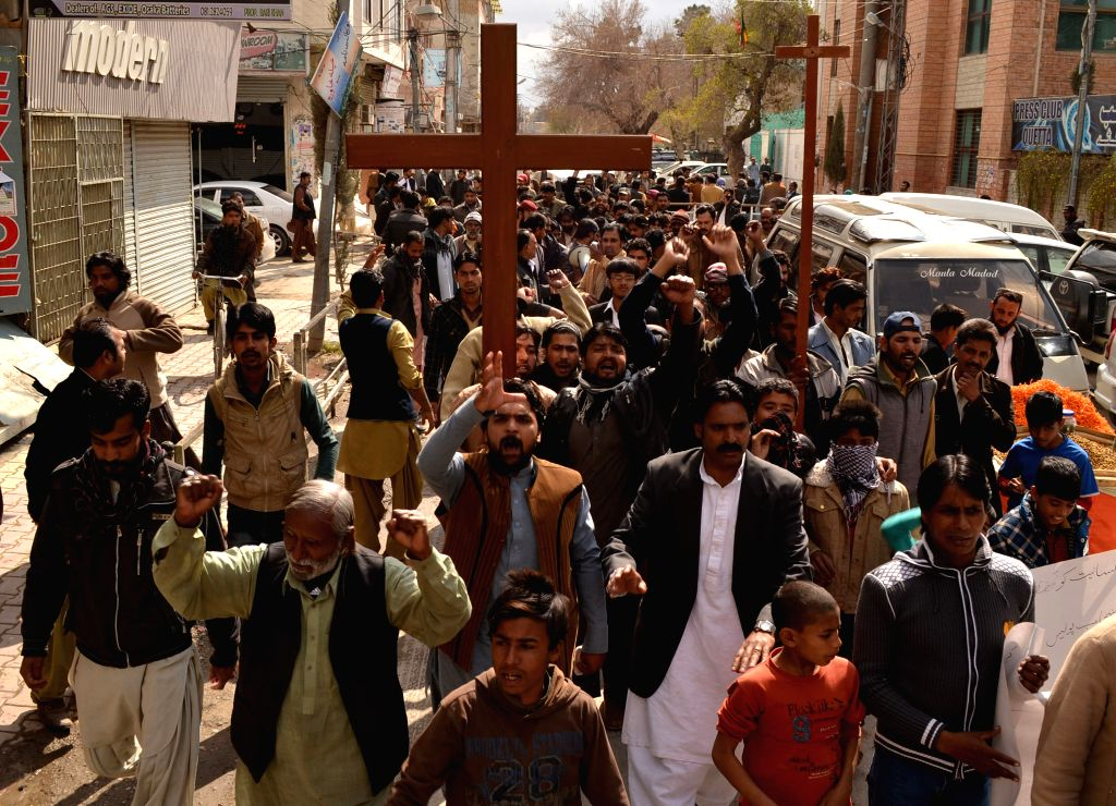 Pakistani Christians protest against the suicide bomb attacks on churches in Lahore in southwest Pakistan's Quetta on March 15, 2015. At least 14 people were killed ...