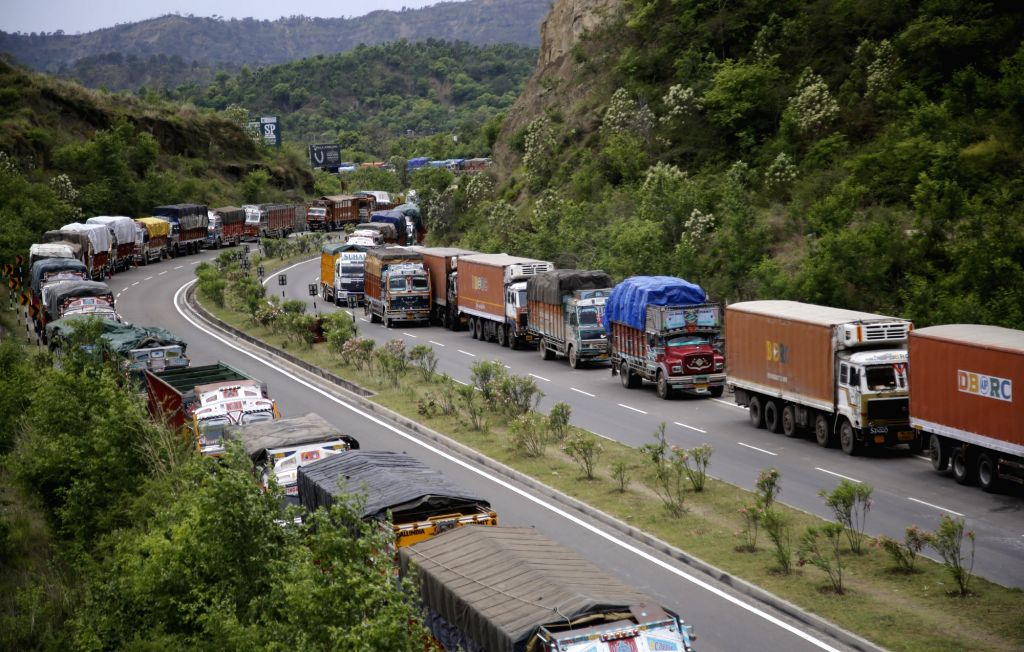 Queues of stranded vehicles seen on Srinagar-Jammu national highway after the Jammu and Kashmir Traffic police closed the highway for civilian traffic on April 24, 2019.