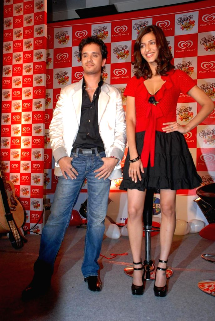 Raghav Sachar and Shruti Hassan launch their album together.