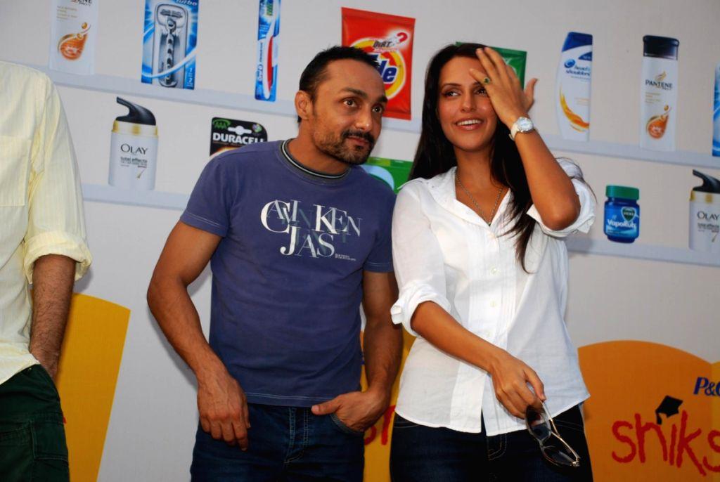 Rahul Bose and Neha Dhupia at Shiksha Walkathon, Taj Land's End. - Rahul Bose