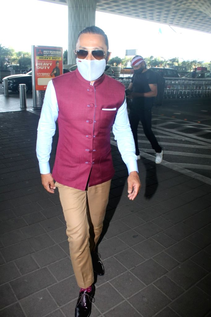 Rahul Bose Spotted at Airport Departure On Wednesday 31th March, 2021. - Rahul Bose Spotted