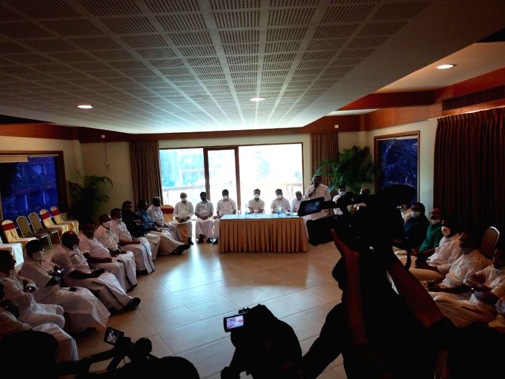 Rahul Gandhi asks Congress led UDF to unleash an intense poll campaign - Rahul Gandhi