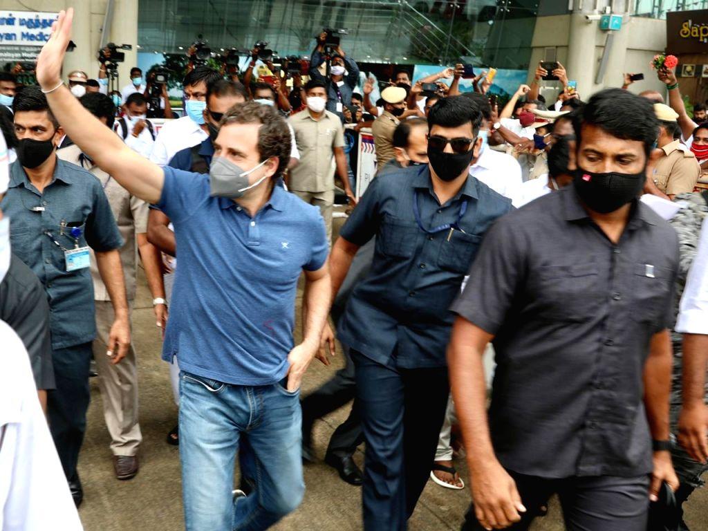 Rahul Gandhi in Tamil Naidu today - Rahul Gandhi and Naidu