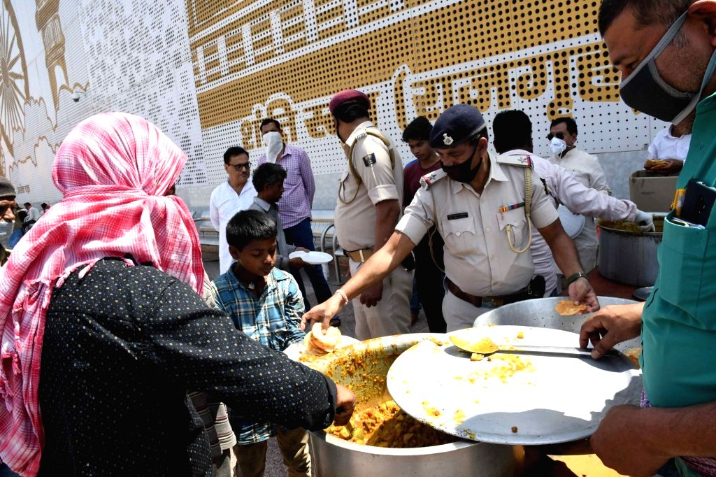 Railways distributed food to over 8.5 lakh people in 12 days