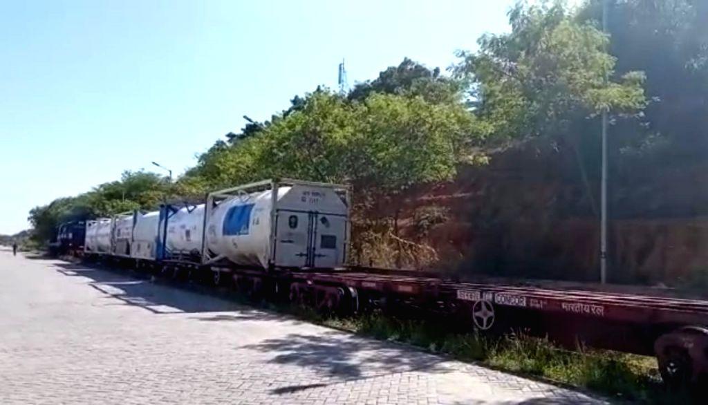 Railways ferries 120 tonne more oxygen to Karnataka for Covid-hit.