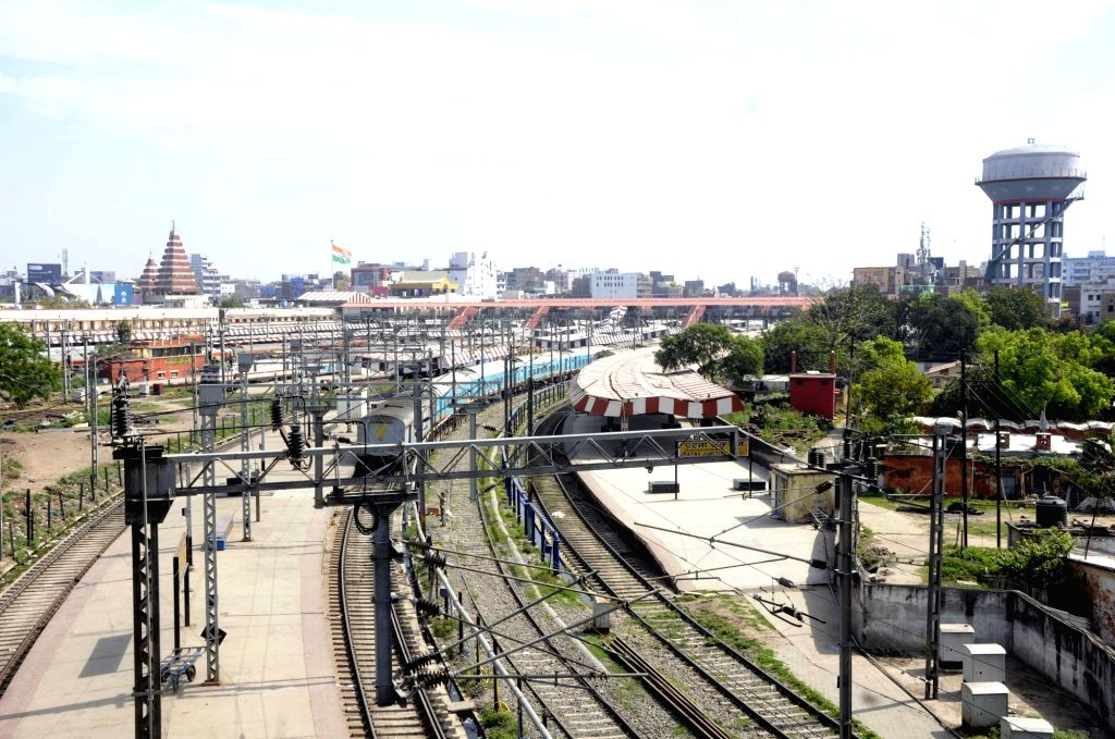 Railways tracks at the Patna Junction Ralay Station bear a deserted look on Day 5 of the 21-day countrywide lockdown imposed to contain the spread of novel coronavirus, on March 29, 2020.