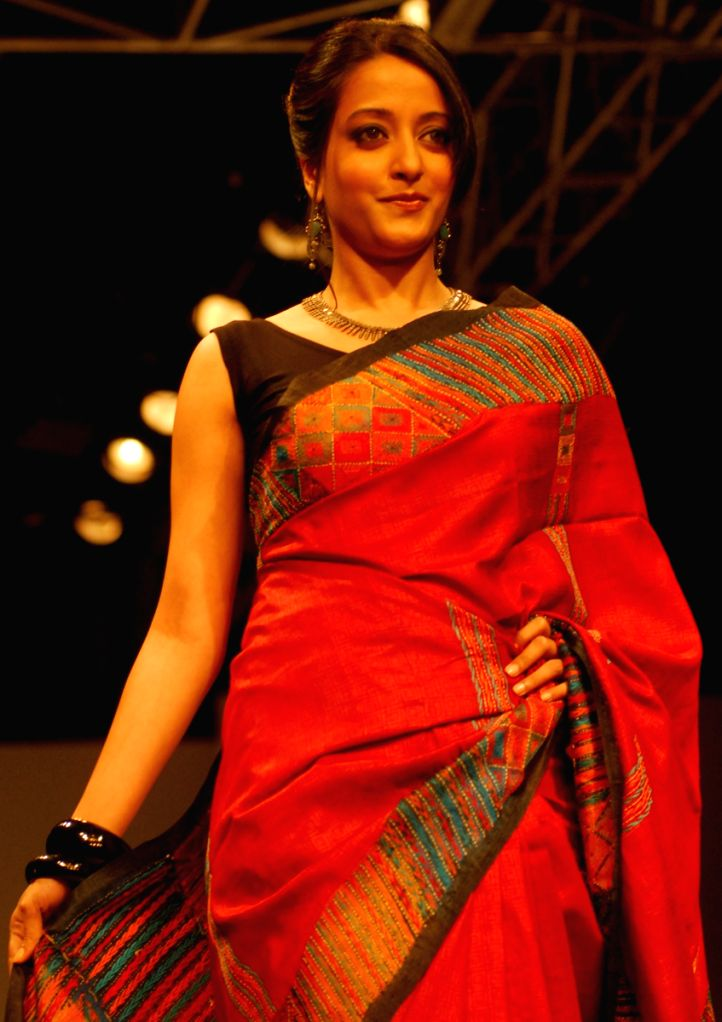 Raima Sen walks at the ramp show during the Kolkata Fashion Week on 2nd April 2009.