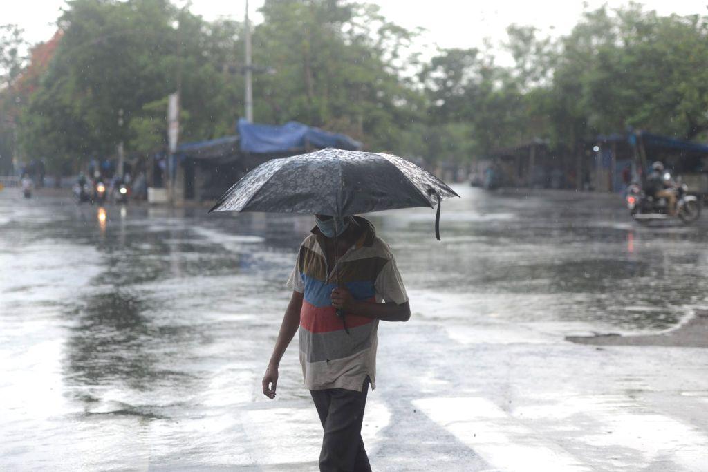 Rain in Kolkata on Saturday, may 22, 2021.
