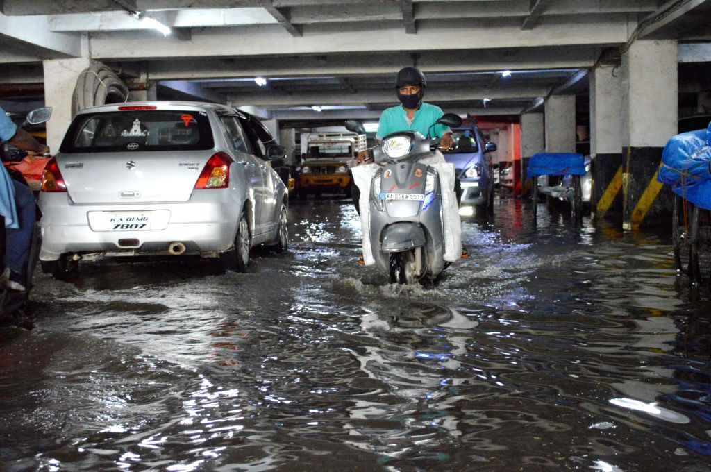 Rain water logged in the basement of KR Market, after last night heavy rainfall,in Bengaluru on Monday 20th September 2021 .(PHOTO:IANS/Dhananjay Yadav) - Dhananjay Yadav