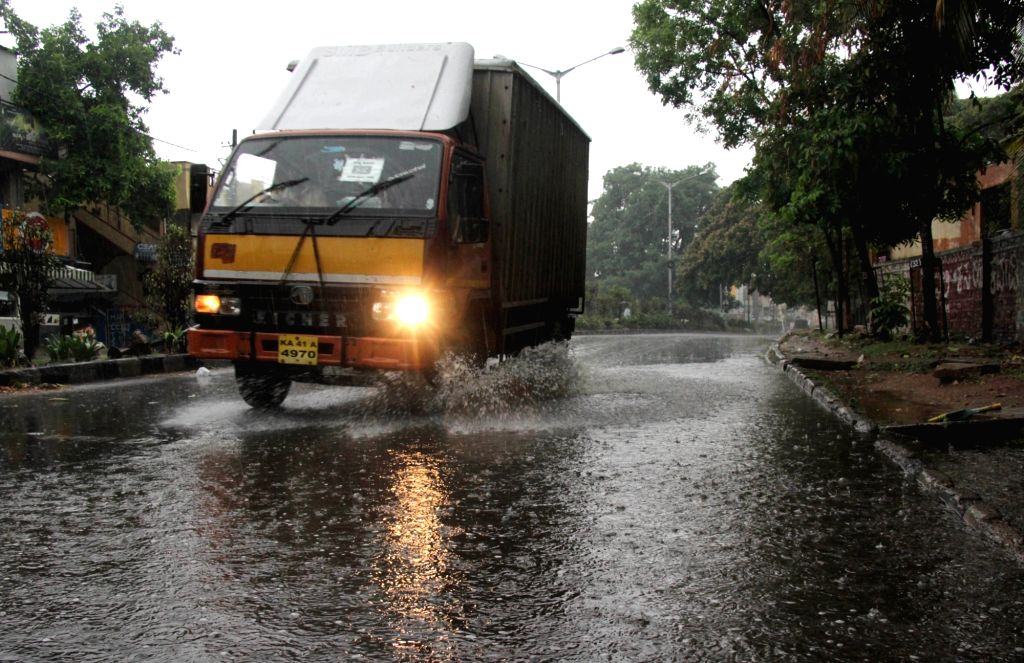 Rains lash Bengaluru on Apr 24, 2020.