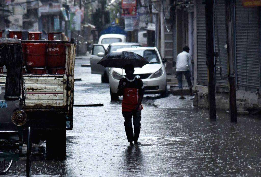 Rains lash Patna on Apr 26, 2020.