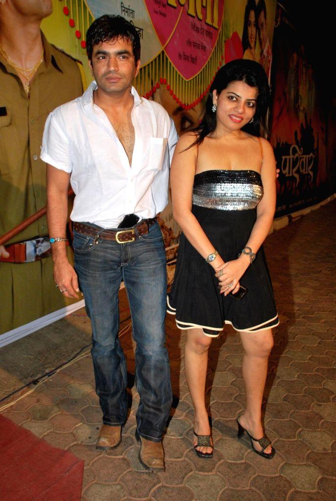 Raja with Shraddha Sharma at Bhojpuri awards at Goregaon sports club. - Shraddha Sharma