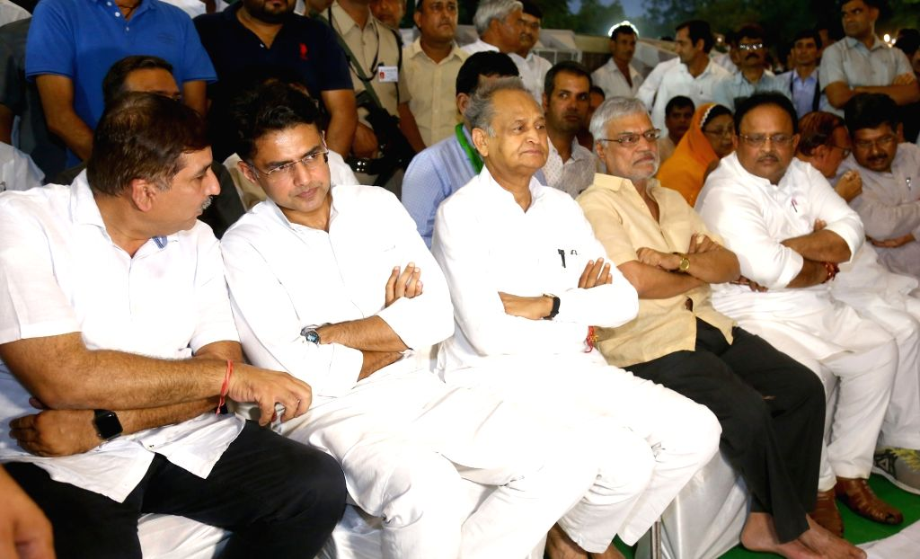 Rajasthan Chief Minister Ashok Gehlot and Deputy Chief Minister Sachin Pilot during an iftaar party in Jaipur on June 3, 2019. - Ashok Gehlot